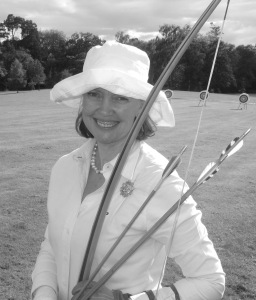 sophie-neville-at-a-longbow-meeting